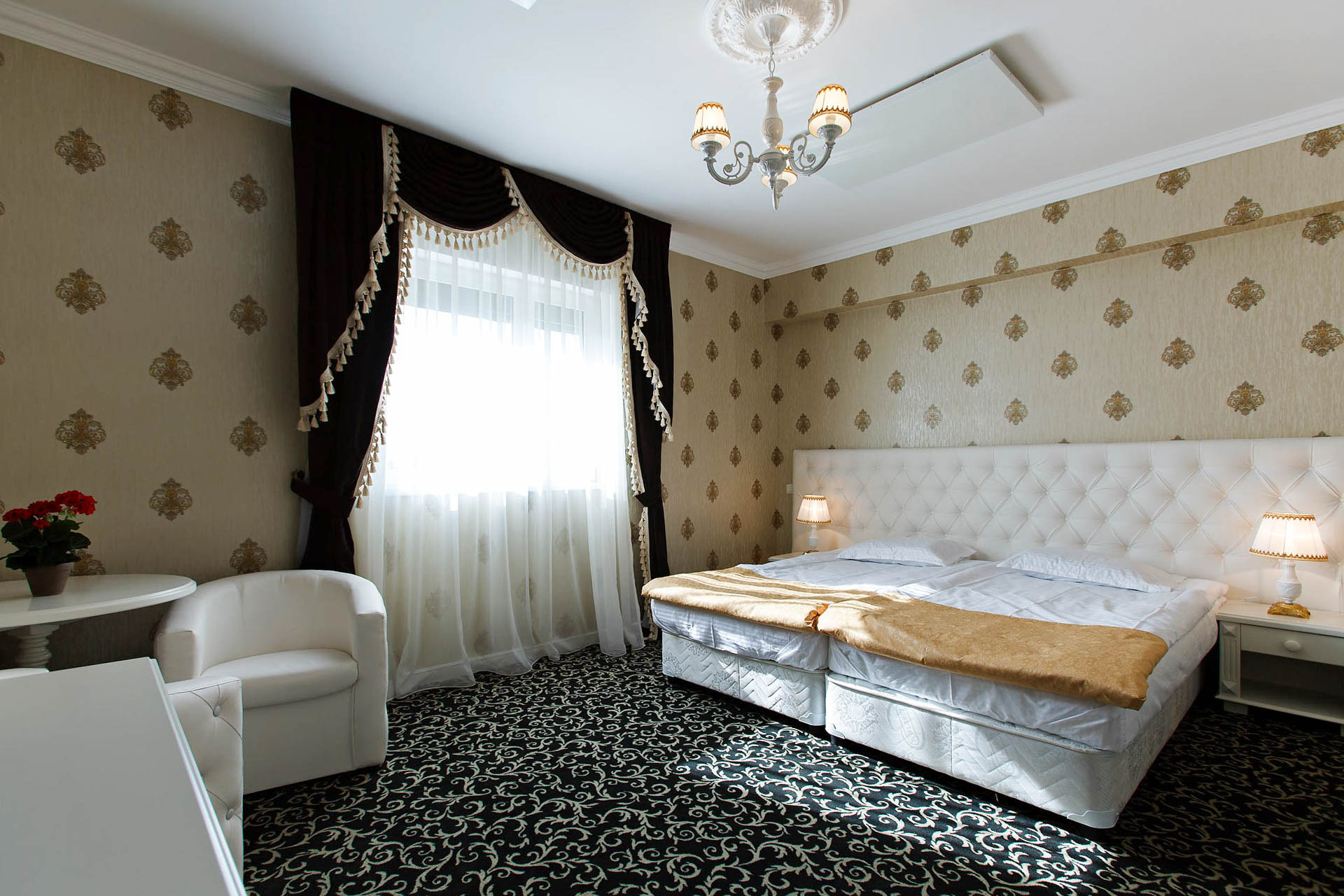 Accommodation Brasov - White Room