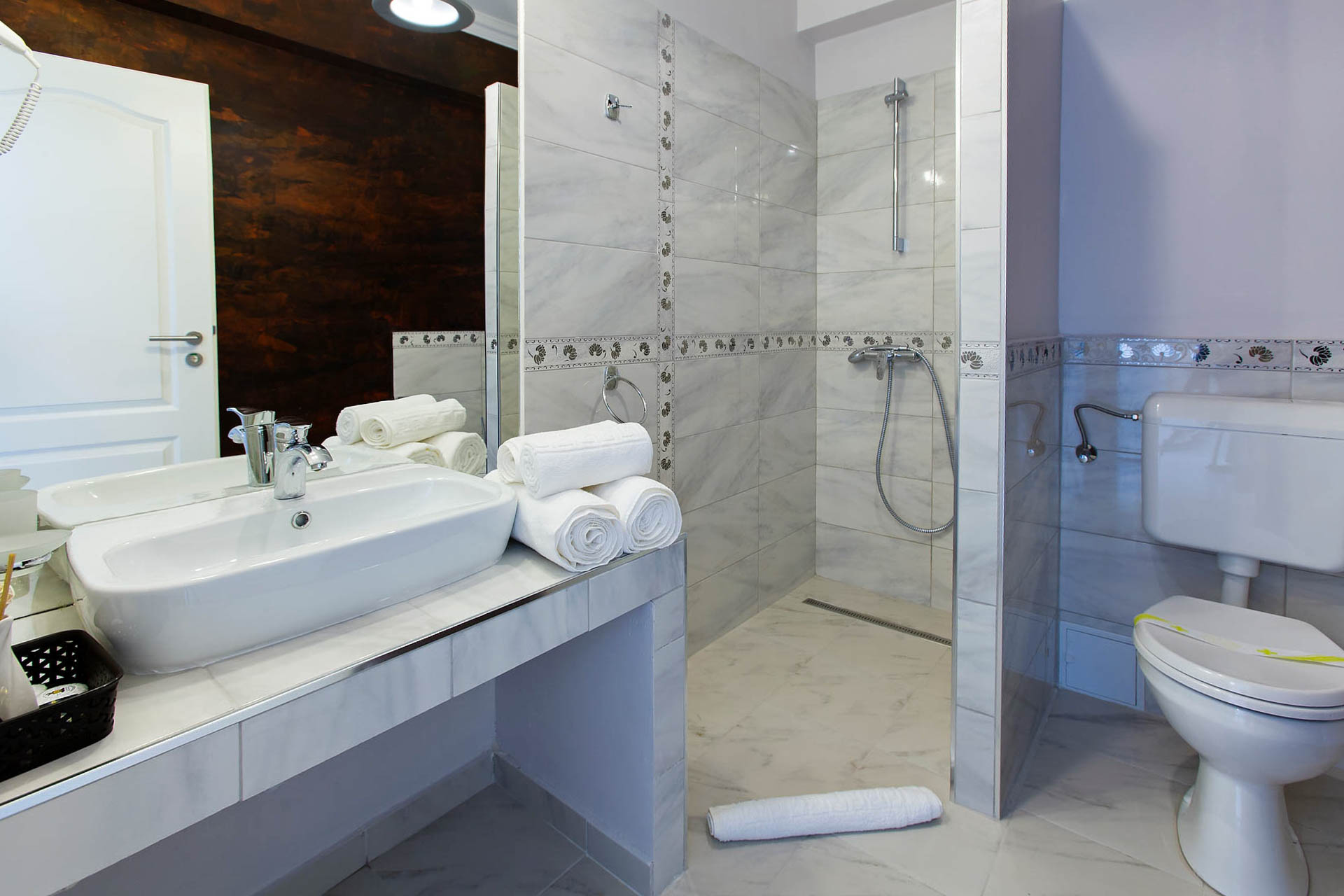 Accommodation Brasov - White Room - Bathroom